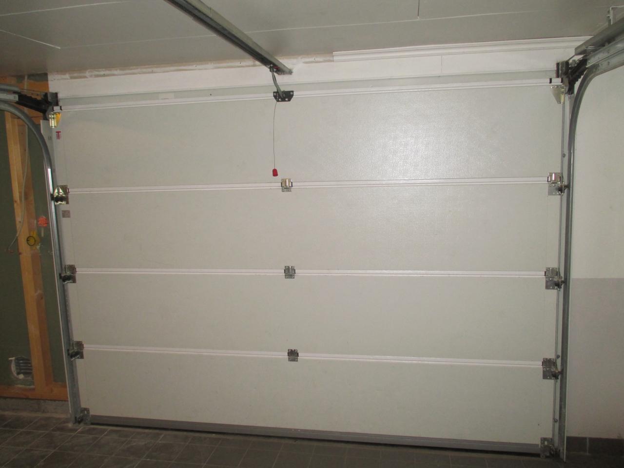 Garageport Teckentrup 2125×3000   Återbruka.se